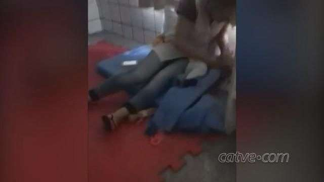Vídeo: bebê apanhando em CMEI de Salto do Lontra revolta moradores