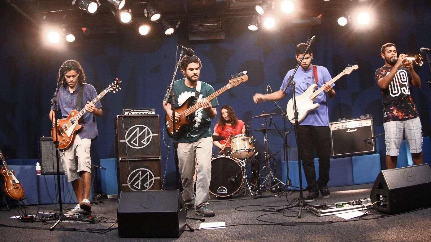 """""""Macuxi muita onda"""" - Alaídenegão no Estúdio Showlivre 2015"""