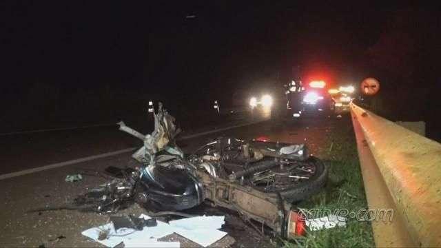 Motociclista morre após bater de frente com kombi, na BR 369 em Corbélia