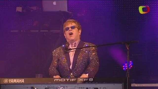"""Elton John cancela shows nos EUA por """"infecção incomum"""""""