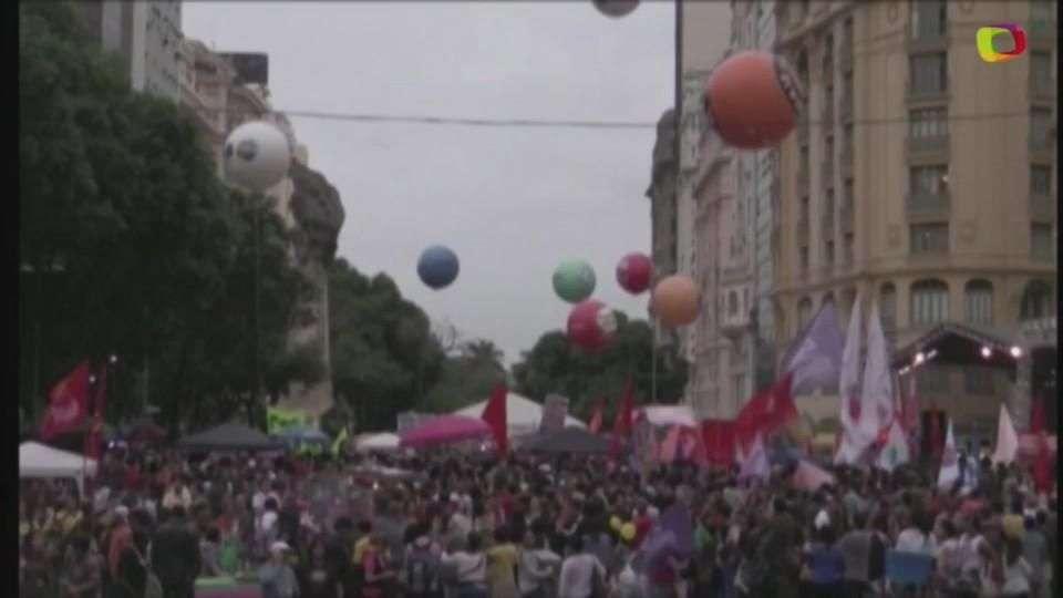 Greve geral tem protestos em várias cidades do País