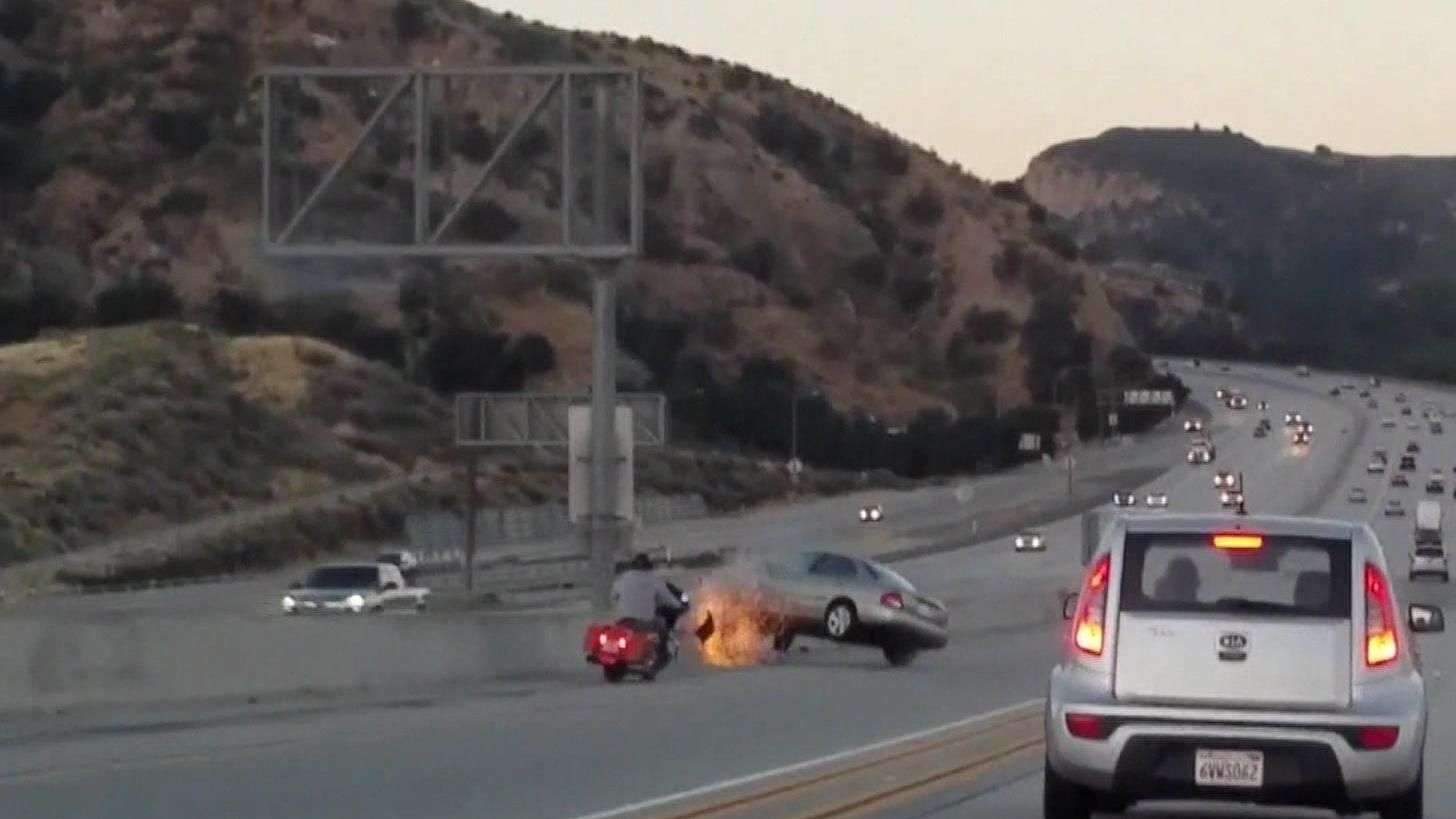 Fúria no trânsito provoca impressionante sequência de acidentes em rodovia nos EUA