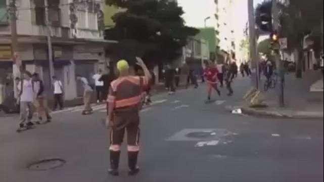 Vídeo: carro atropela skatistas durante evento em São Paulo