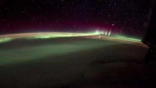 Astronauta registra visão impressionante de aurora boreal da Estação Espacial