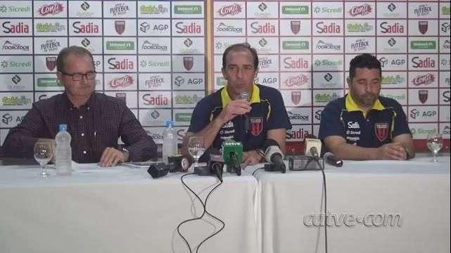 Futebol: ex-jogador Paulo Baier é apresentado como técnico no Toledo