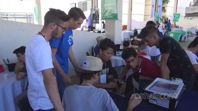 Alunos participam de feira sobre Tecnologia e o Futuro em Londrina