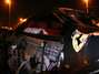Motorista perde controle e bate Ferrari em São Paulo