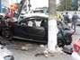 Carro bate em poste durante perseguição policial em SP