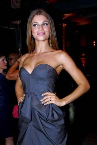 A atriz Grazi Massafera já tinha silicone nos seios quando participou do Big Brother Brasil 7, programa que a tornou uma estrela global, em 2007  Foto: Fabio Guinalz/ AgNews / Terra