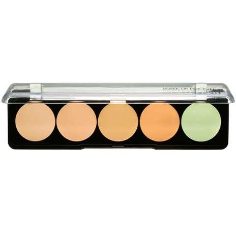 Corretivo Camouflage Cream Palette, da Make Up For Ever. Existe em três versões diferentes para tons de pele claros, médios e escuros. Preço: R$ 156, na Sephora Foto: Divulgação