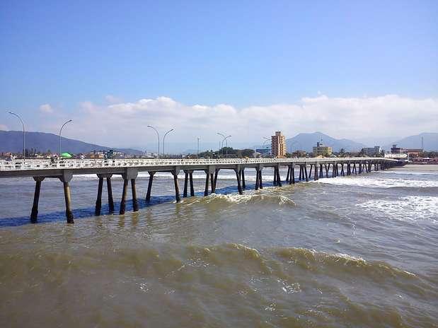 Plataforma tem oito metros de altura, em Mongaguá, litoral sul de São Paulo Foto: Nivaldo Lima / vc repórter