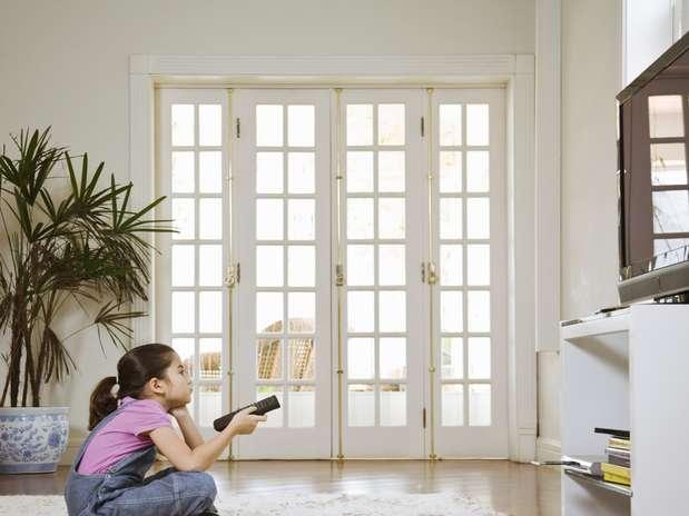 Pais devem ficar de olho no que as crianças assistem Foto: Getty Images