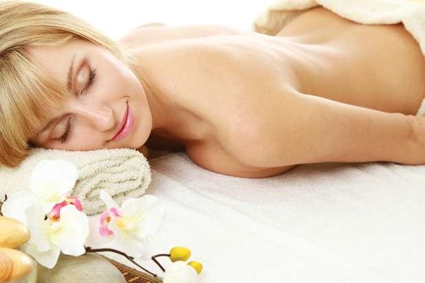 Além de diminuir a gordura localizada, massagem 2 em 1 também reduz o estresse, favorecendo o bem-estar Foto: Shutterstock
