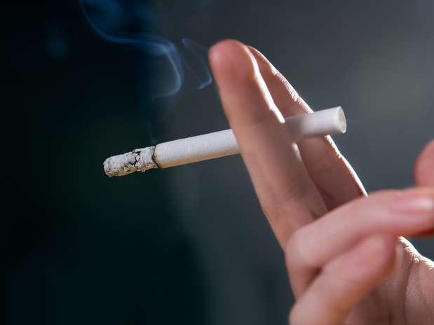 De acordo com estudo, o tabagismo leva a mudanças permanentes na estrutura das paredes das artérias Foto: Getty Images