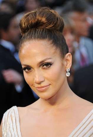 Valorizar os olhos, como Jennifer Lopez, ressalta a beleza da noiva Foto: Getty Images