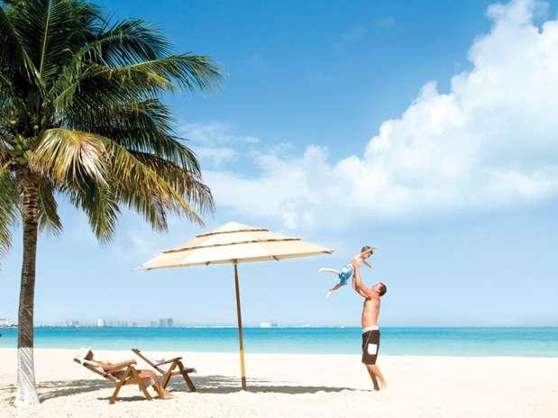 Além de muito procurada por jovens que se animam com as festas da cidade, Cancun é destino certo para casais com filhos pequenos Foto: Divulgação