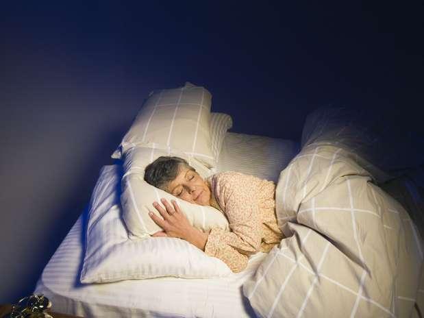 Dificuldade para dormir pode ser sintoma inicial de Alzheimer