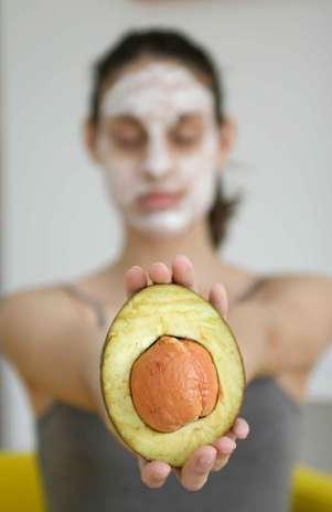 Mascara facial de abacate
