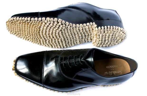 O par de sapatos chamado de Apex Predator Shoes foi feito em 2010  Foto: Reprodução