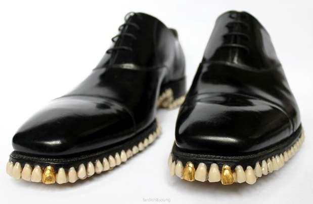 A dupla de designers ingleses Fantich&Young inovou e criou peças de roupa e sapatos a partir de cabelo humano e dentes Foto: Reprodução