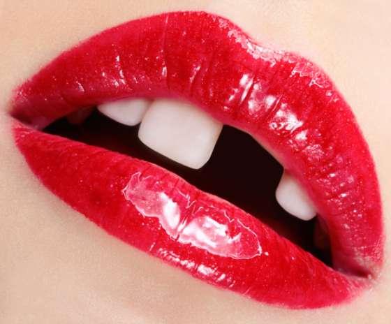 O especialista garante: fique tranquilo, porque é possível recuperar o dente quebrado, com excelente qualidade estética, e mesmo se você perder o pedaço do dente quebrado, ainda há solução. Foto: Shutterstock