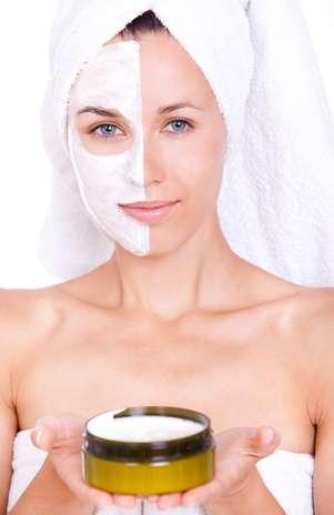 Fonte de beleza até mesmo da rainha Cleópatra na Antiguidade, cosméticos feitos à base de propriedades extraídas do Mar Morto fazem sucesso entre as mulheres que buscam conquistar uma cútis perfeita Foto: Shutterstock