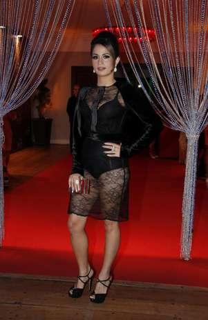 A atriz Nanda Costa é uma das famosas adeptas da transparência Foto: Getty Images