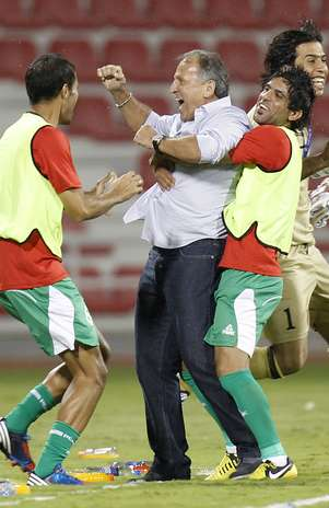 Zico comemora gol que definiu a vitória do Iraque Foto: Reuters