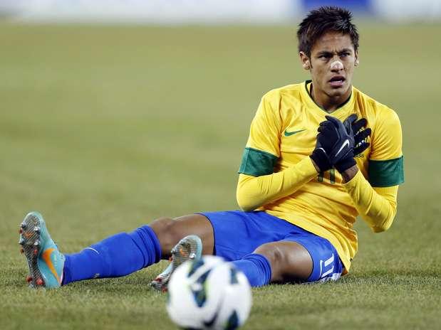 Neymar não escondeu a decepção pelo lance perdido Foto: AP