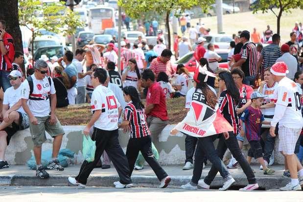 Ganso, que teve estreia confirmada por Ney Franco para o segundo tempo, foi o incentivo a mais para levar os torcedores tricolores ao Morumbi Foto: Tamires San / vc repórter