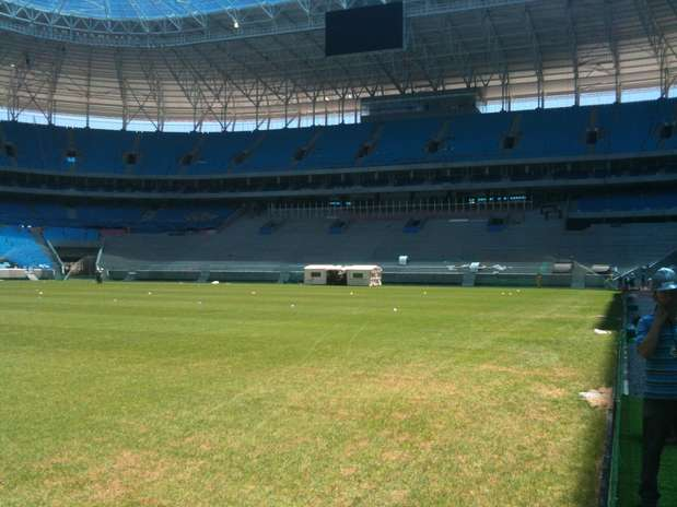 """Grêmio destinou setor da arquibancada específico para a tradicional \""""avalanche\"""" da torcida Foto: Daniel Favero / Terra"""
