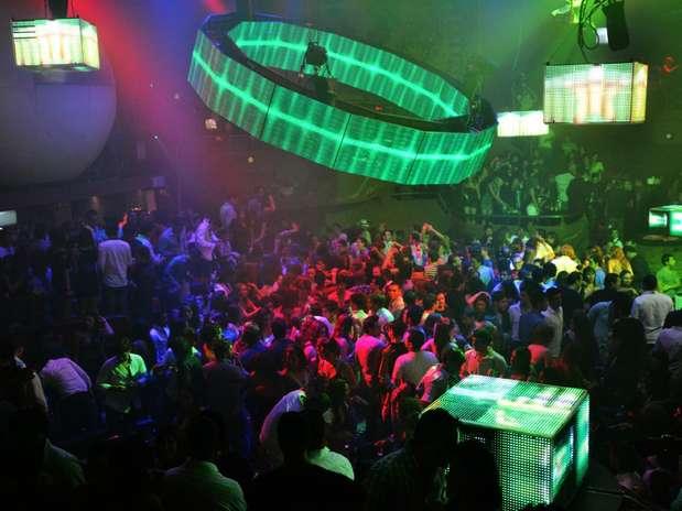 Na zona hoteleira mexicana, balada chama atenção pela música e também pela arquitetura baseada em cavernas caribenhas Foto: Divulgação