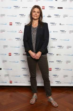Inspiração ética: a rasteirinha da atriz Kathryn Erbe ganhou destaque na produção bem básica  Foto: Getty Images