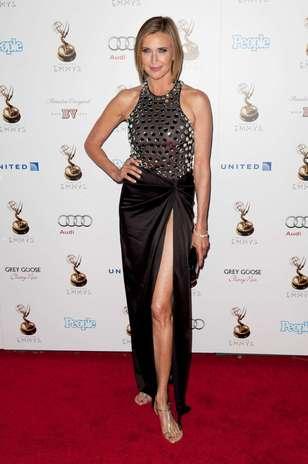 Brilhante: Brenda Strong optou pela rasteirinha de dedo para o tapete vermelho Foto: Getty Images