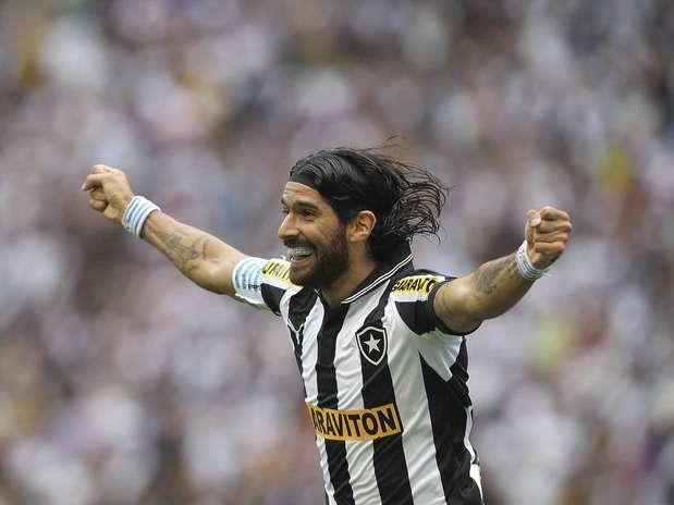 Atacante uruguaio deve ser oficializado pelo clube de Montevidéu após reunião nesta quinta-feira Foto: Getty Images