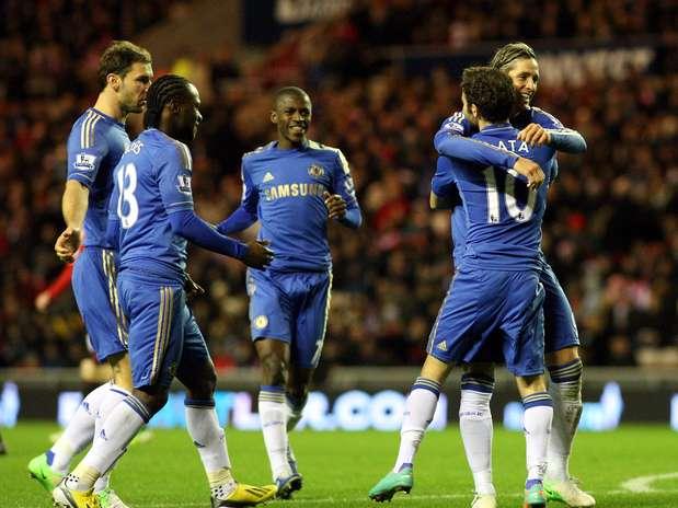 Jogadores do Chelsea comemoram vitória sobre o Sunderland em último jogo antes do Mundial de Clubes Foto: AP