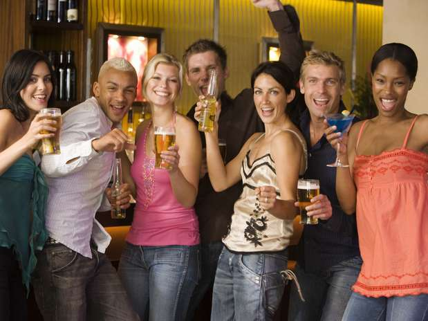 Estudo indica que componente presente na cerveja tem ação antiinflamatória Foto: Getty Images