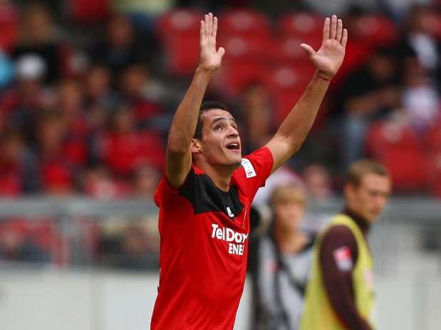 Meia-atacante, ex-Bayer Leverkusen, deve ser apresentado ainda nesta terça-feira Foto: Getty Images