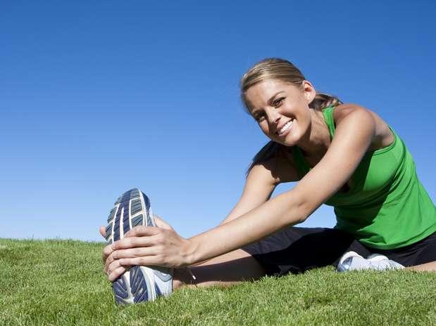 Pessoas que praticam pelo menos duas horas e meia de exercícios por semana vivem, em média, seis anos a mais Foto: Getty Images