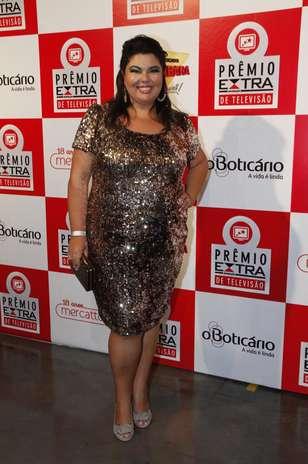 Tubinho com aplicação de paetês foi a escolha da atriz Fabiana Karla para evento no Rio de Janeiro Foto: AgNews