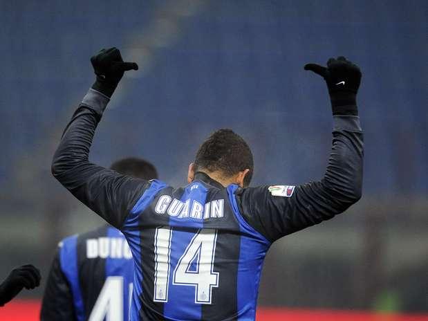 Com um gol e uma assistência, Guarin foi o nome do jogo Foto: Getty Images