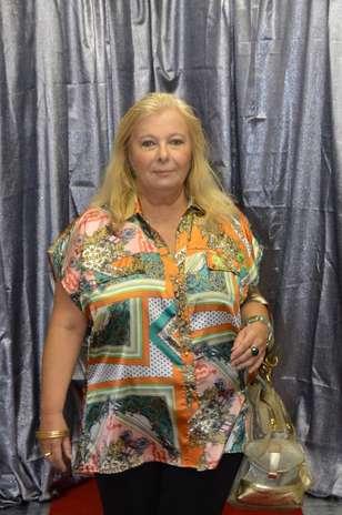 Legging com blusa de seda e estampa é a aposta do Desfiles Online Foto: Divulgação
