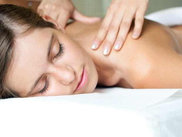 Drenagem linfática feita da maneira incorreta pode ocasionar dor e gerar hematomas Foto: Shutterstock