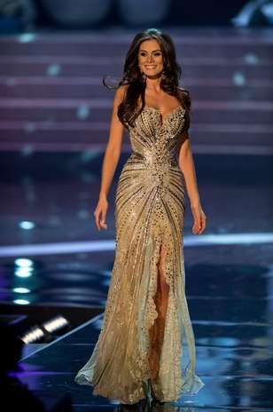 Miss Brasil Gabriela Markus durante desfile de traje de gala Foto: Divulgação