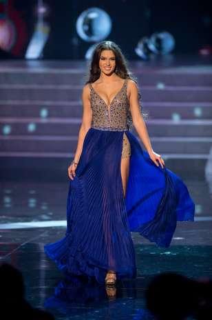 Miss Rússia Elizabeth Golovanova durante desfile de traje de gala Foto: Divulgação