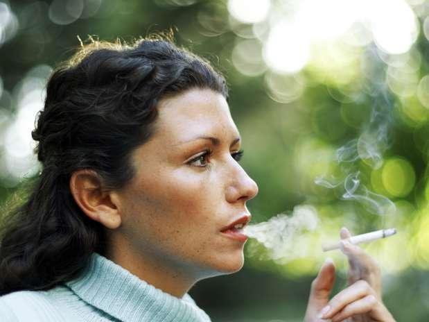 A expectativa de vida estimada diferiram significativamente: uma pessoa com 35 anos que fumava tinha a previsão de vida até 62,6 anos, enquanto para outro paciente que não fumava a previsão foi de 78,4 anos Foto: Getty Images