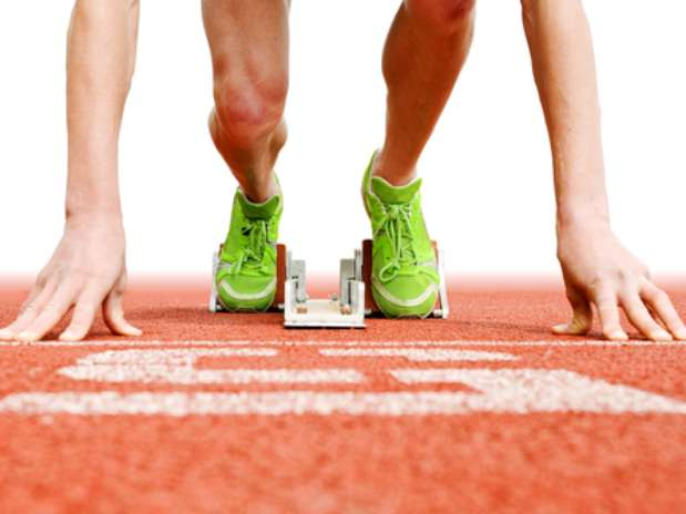 O cuidado com a saúde geralmente é redobrado no dia-a-dia de atletas, que exigem muito mais do corpo para aguentar treinos, conquistar medalhas e bater recordes. É imprescindível que a saúde bucal esteja incluída nos check ups rotineiros. Isso porque uma simples dor de dentes pode impedir que o esportista tenha seu melhor desempenho.  Foto: Shutterstock
