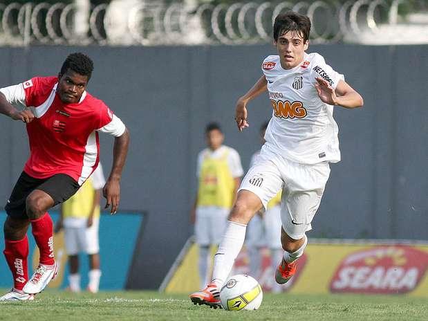 Camisa 10, meia Léo Cittadini é um dos destaques do time do Santos Foto: Pedro Ernesto Guerra Azevedo/Santos FC / Divulgação
