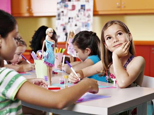Na viagem, as meninas poderão ser as designers das roupas das bonecas  Foto: Royal Caribbean International / Divulgação