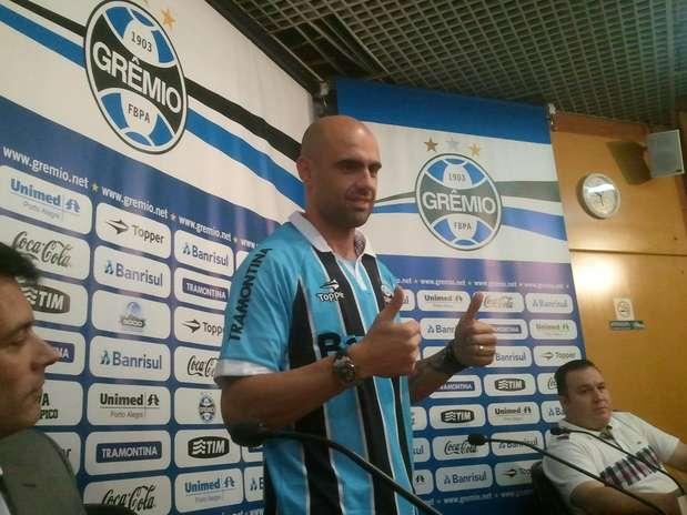 Indicado por treinador, defensor tem contrato com o clube gaúcho até dezembro de 2013 Foto: Cristiano Leonardo S. da Silva Jornalismo - Especial para o Terra